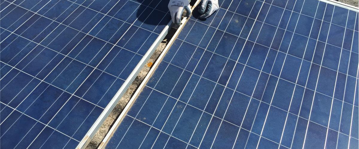 rimozione-e-pulizia-moduli-fotovoltaici